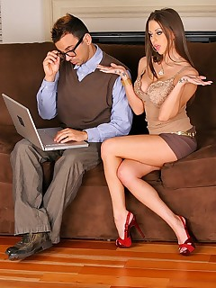 King Dong. Rachel roxx laptop did not work se she had her nerdy neighbor to fix it and finds that he has a big cock