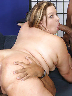 BBB Fever. BBW Key shows off her huge round butt before taking on two cocks