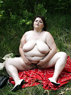 BBB Fever. Big fat girl gets fucked in the woods!