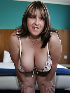 BBW Heavy Tits. British, big tit MILF takes on a pair of cocks!