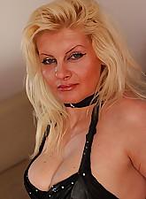 Blonde.., Mature.NL