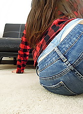 jeans.., Live Chat With Her