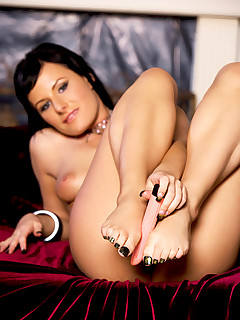 Angel Couture shows her fans how wildly limber and flexible her hot body is with a few naked splits