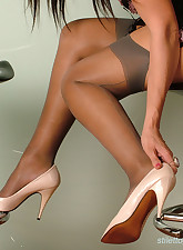 Brunette.., Stiletto Girl