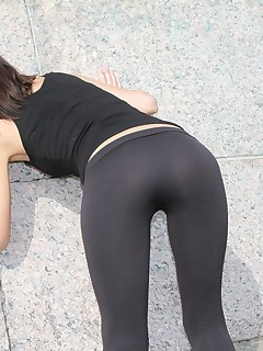 Her sexy ass in tights outdoor shots